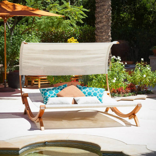 Naia Daybed3