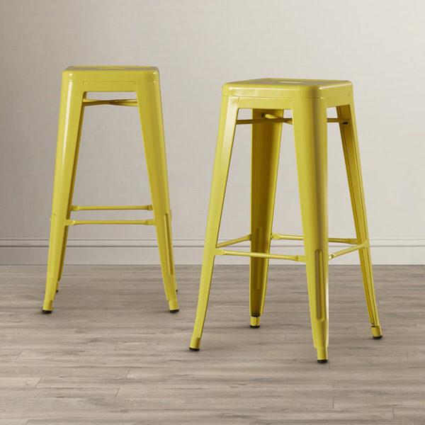 Larin Yellow1